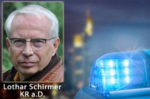 Lothar Schirmer berät zum Thema Sicherheit zu Hause und unterwegs